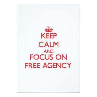 Guarde la calma y el foco en la agencia libre invitación 12,7 x 17,8 cm