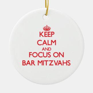 Guarde la calma y el foco en la barra Mitzvahs Adornos De Navidad
