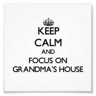 Guarde la calma y el foco en la casa de las abuela fotografias