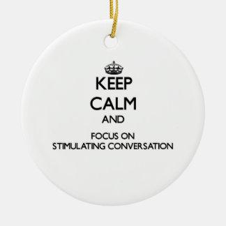 Guarde la calma y el foco en la conversación adorno navideño redondo de cerámica