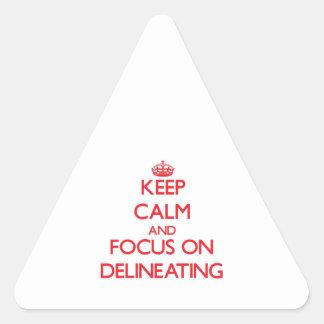 Guarde la calma y el foco en la delineación pegatina de triangulo personalizadas