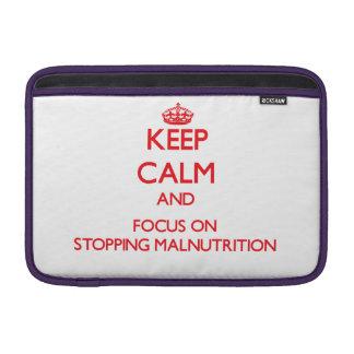 Guarde la calma y el foco en la detención de la fundas para macbook air