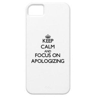 Guarde la calma y el foco en la disculpa iPhone 5 cárcasa
