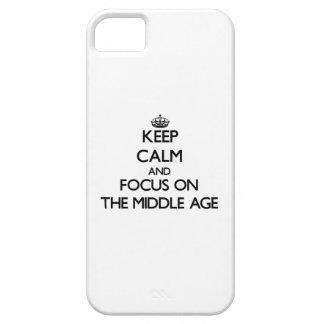 Guarde la calma y el foco en la Edad Media iPhone 5 Protector