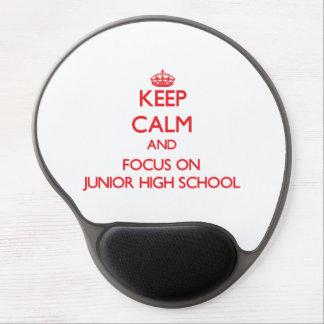 Guarde la calma y el foco en la escuela de alfombrilla gel