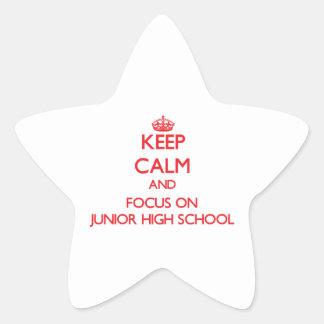 Guarde la calma y el foco en la escuela de pegatina en forma de estrella