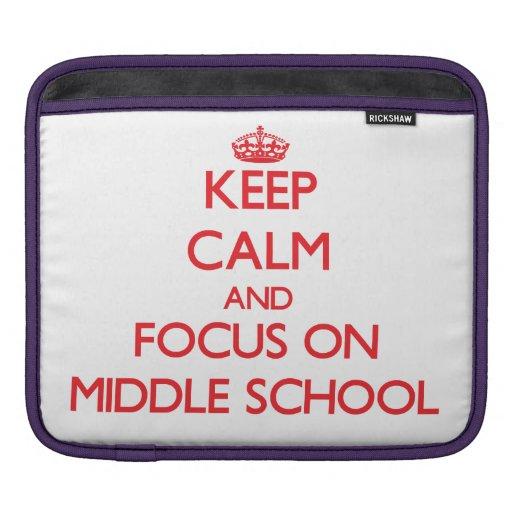 Guarde la calma y el foco en la escuela secundaria fundas para iPads
