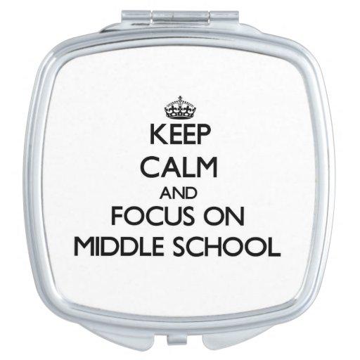 Guarde la calma y el foco en la escuela secundaria espejo para el bolso
