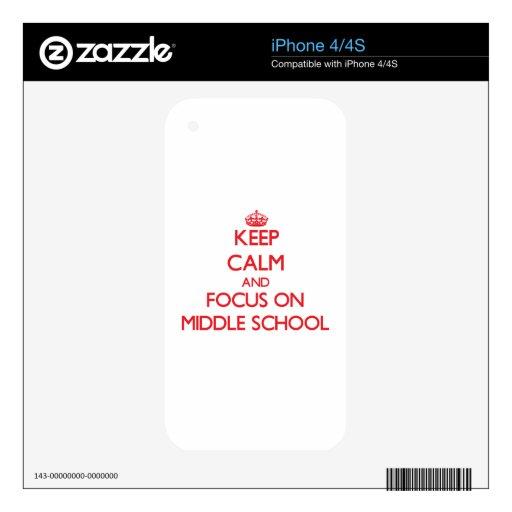 Guarde la calma y el foco en la escuela secundaria calcomanía para el iPhone 4S