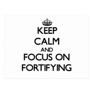 Guarde la calma y el foco en la fortificación postales