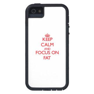 Guarde la calma y el foco en la grasa iPhone 5 Case-Mate carcasa