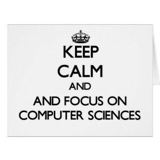 Guarde la calma y el foco en la informática tarjeta de felicitación grande