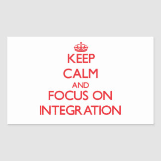 Guarde la calma y el foco en la integración rectangular altavoz