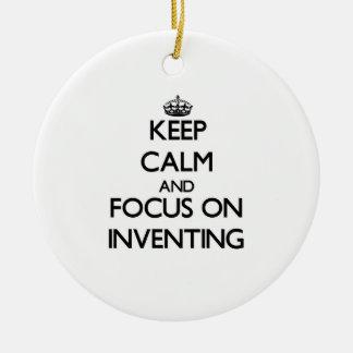 Guarde la calma y el foco en la invención