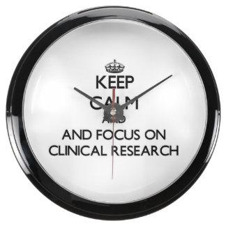 Guarde la calma y el foco en la investigación reloj aqua clock