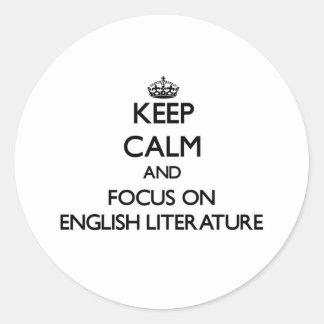 Guarde la calma y el foco en la LITERATURA INGLESA Etiquetas Redondas