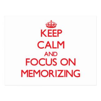 Guarde la calma y el foco en la memorización postales