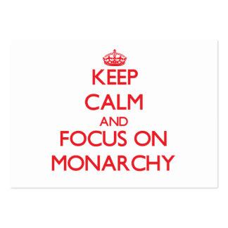 Guarde la calma y el foco en la monarquía plantillas de tarjetas personales