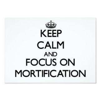 Guarde la calma y el foco en la mortificación invitación 12,7 x 17,8 cm