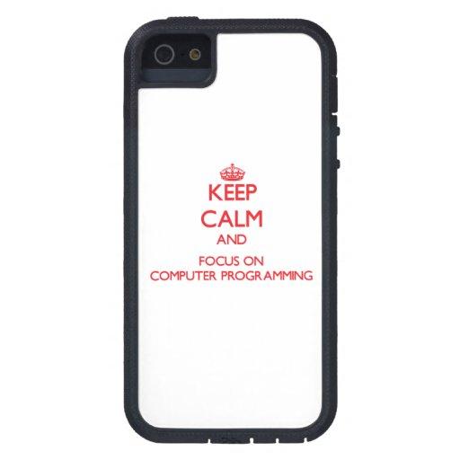 Guarde la calma y el foco en la programación infor iPhone 5 Case-Mate carcasa