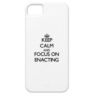 Guarde la calma y el foco en la PROMULGACIÓN iPhone 5 Cárcasa