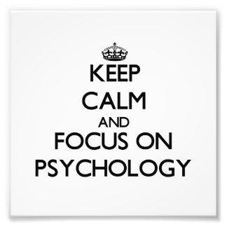 Guarde la calma y el foco en la psicología cojinete
