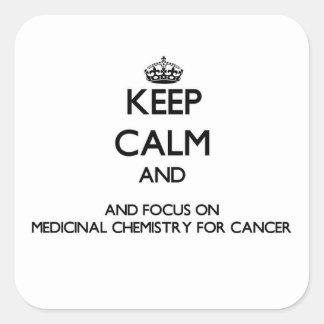 Guarde la calma y el foco en la química medicinal calcomanía cuadradas personalizadas