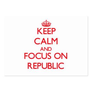 Guarde la calma y el foco en la república tarjeta de visita