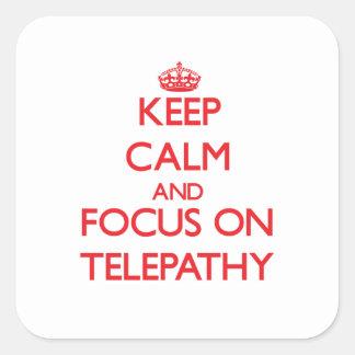 Guarde la calma y el foco en la telepatía calcomanías cuadradass personalizadas