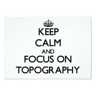 Guarde la calma y el foco en la topografía invitación personalizada