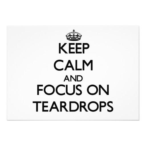 Guarde la calma y el foco en lágrimas invitaciones personalizada