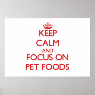 Guarde la calma y el foco en las comidas de mascot póster