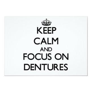 Guarde la calma y el foco en las dentaduras invitación 12,7 x 17,8 cm
