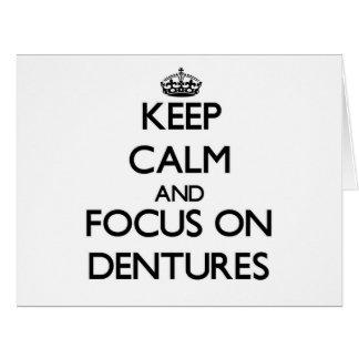 Guarde la calma y el foco en las dentaduras tarjeta de felicitación grande