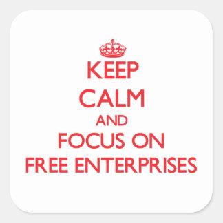 Guarde la calma y el foco en las empresas libres pegatina cuadrada
