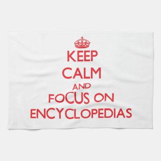 Guarde la calma y el foco en las ENCICLOPEDIAS