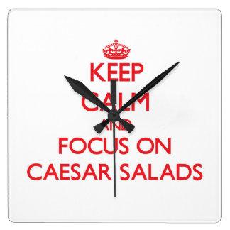 Guarde la calma y el foco en las ensaladas César Reloj