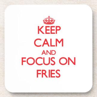 Guarde la calma y el foco en las fritadas posavasos de bebidas