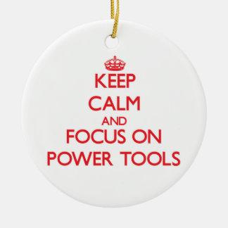 Guarde la calma y el foco en las herramientas ornamentos de navidad
