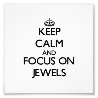 Guarde la calma y el foco en las joyas foto