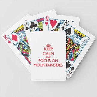 Guarde la calma y el foco en las laderas barajas de cartas