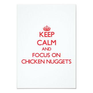 Guarde la calma y el foco en las pepitas de pollo invitacion personal