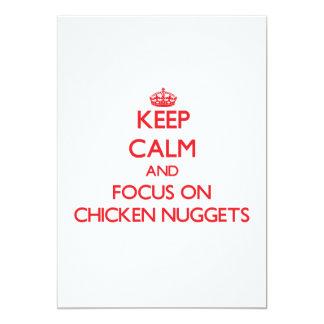 Guarde la calma y el foco en las pepitas de pollo invitación