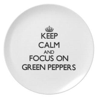 Guarde la calma y el foco en las pimientas verdes