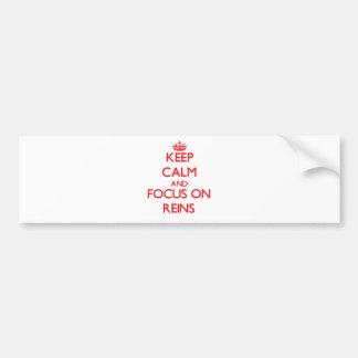 Guarde la calma y el foco en las rienda pegatina de parachoque