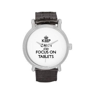 Guarde la calma y el foco en las tabletas reloj de mano