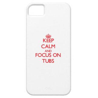 Guarde la calma y el foco en las tinas iPhone 5 cárcasa