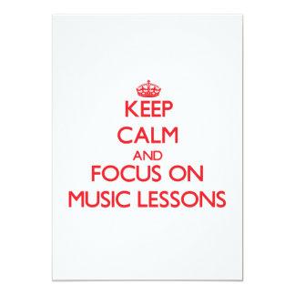 Guarde la calma y el foco en lecciones de música invitación 12,7 x 17,8 cm