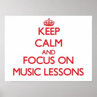 Guarde la calma y el foco en lecciones de música poster