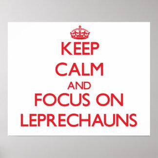 Guarde la calma y el foco en Leprechauns Poster